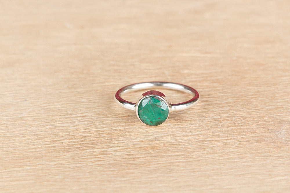 Genuine 925 Silver Emerald Ring