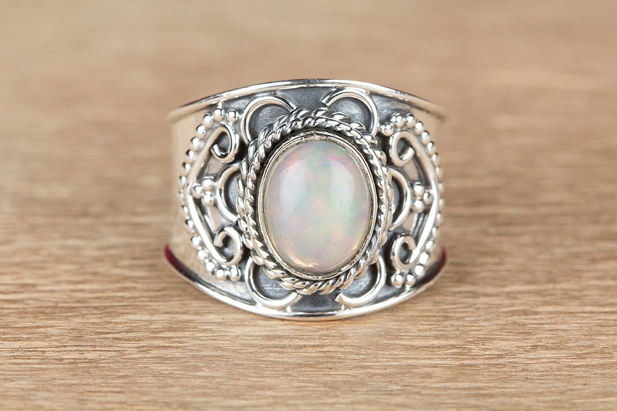 Beautiful Ethiopian Opal Gemstone 925 Silver Ring
