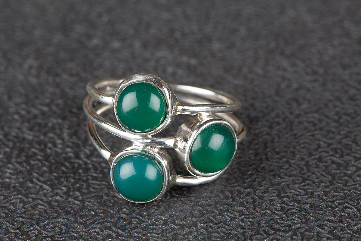 Lovely Green Onyx Gemstone 925 Silver Ring