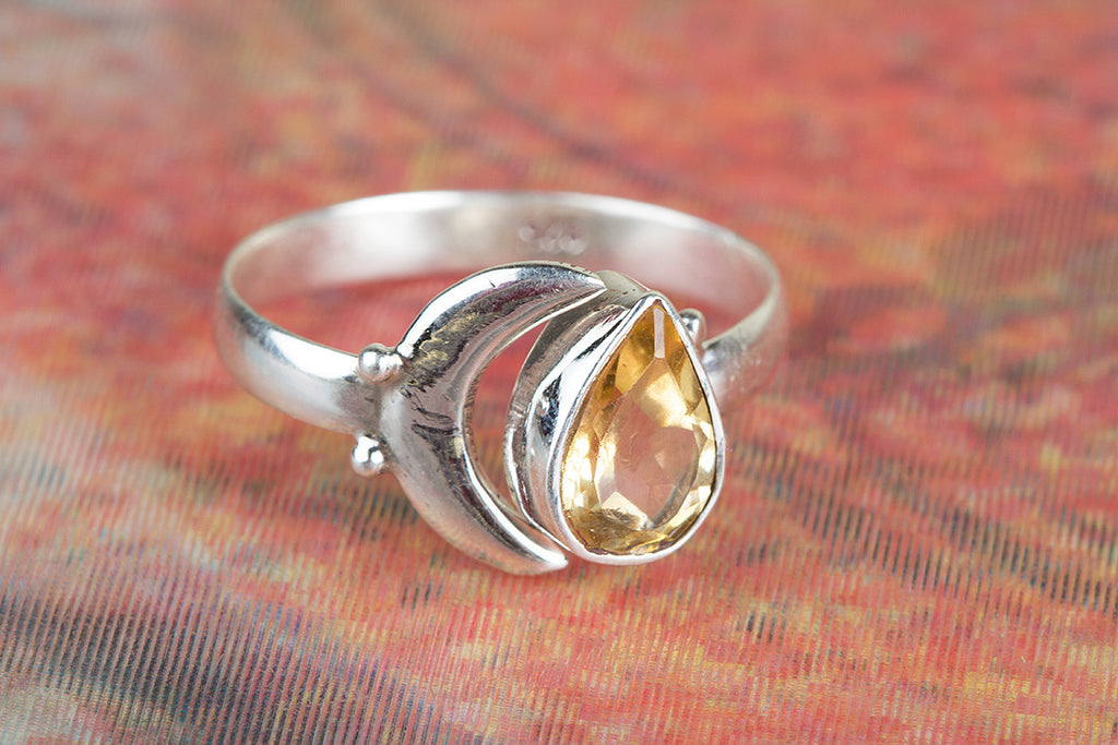Fantastic 925 Sterling Silver Faceted Citrine Gemstone Ring