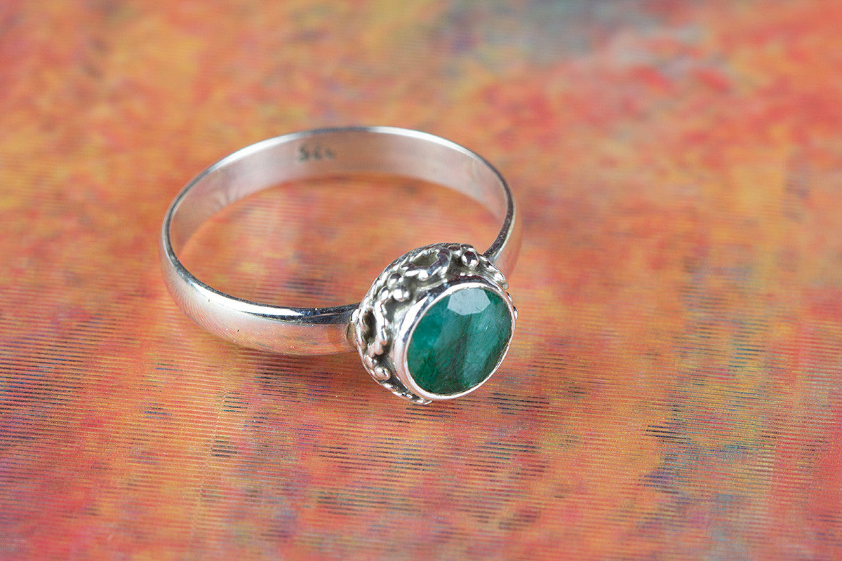 Amazing Emerald Gemstone 925 Sterling Silver Ring