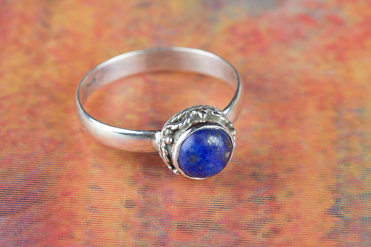 Lovely Lapis Lazuli Gemstone 925 Sterling Silver Ring
