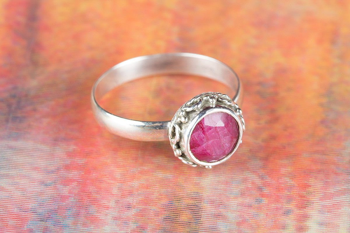 Gorgeous Ruby Gemstone 925 Sterling Silver Ring