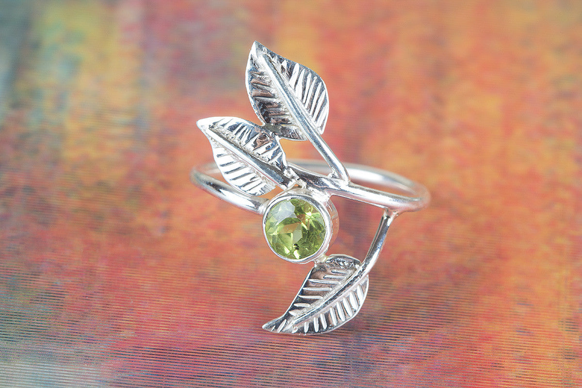 925 Peridot Gemstone Silver Ring