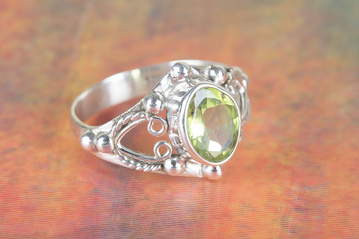 Awesome Handmade Faceted Peridot Gemstone 925 Silver Ring