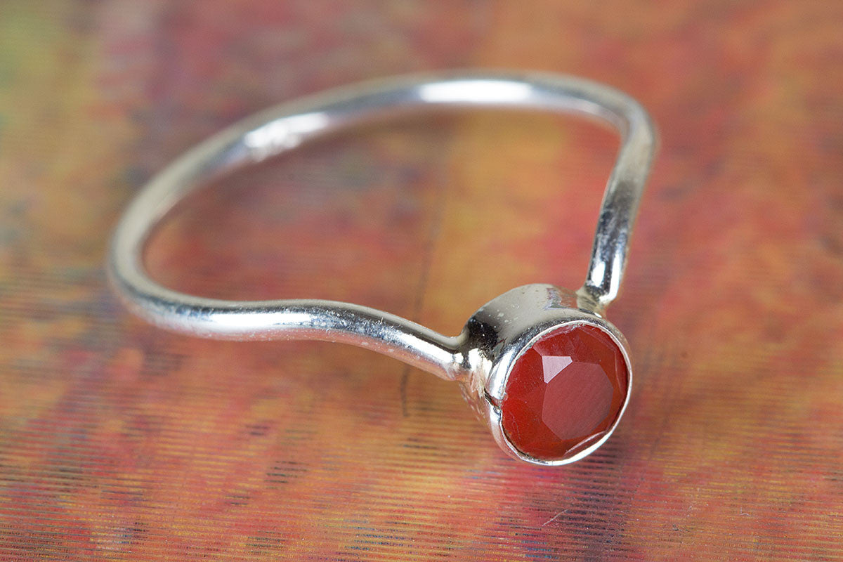 Beautiful Handmade Carnelian Cut Gemstone 925 Silver Ring