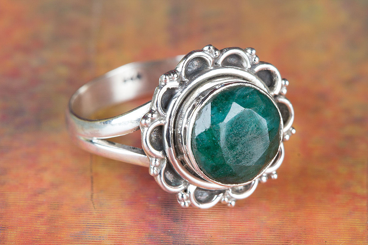 Round Shape Emerald Gemstone 925 Sterling Silver  Ring