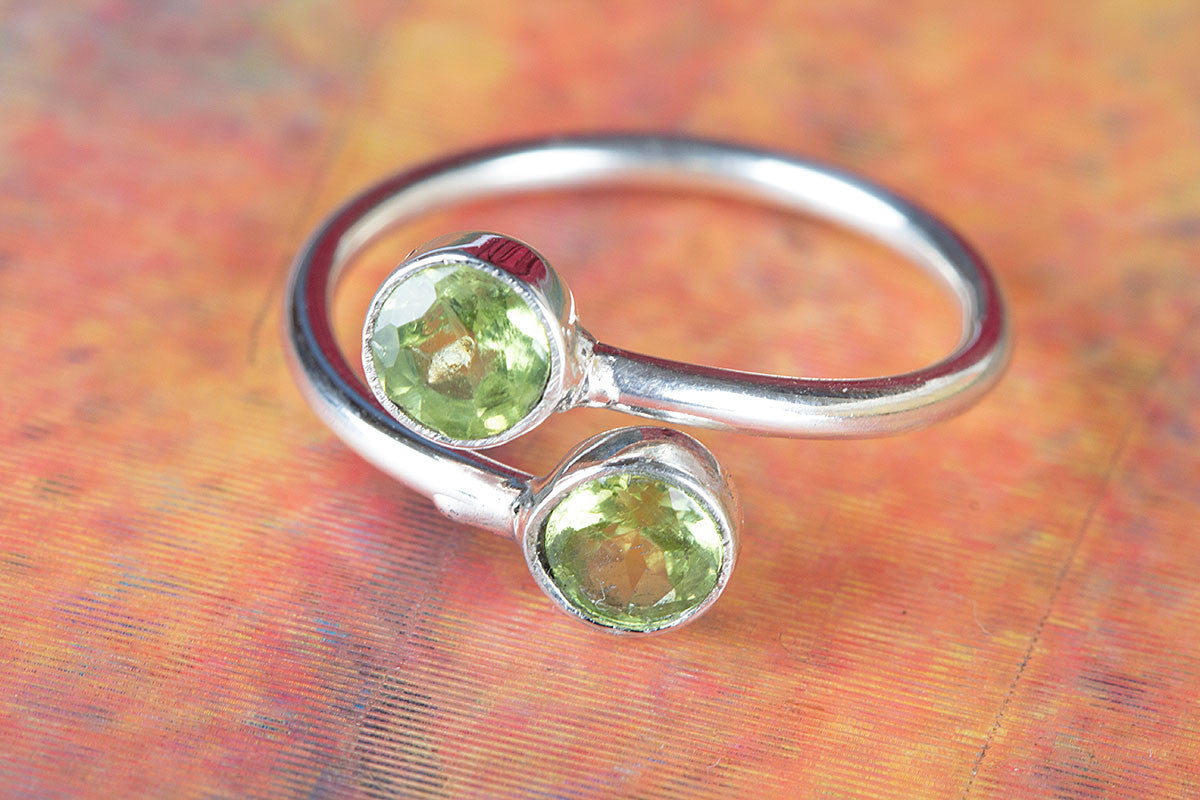 925 Sterling Silver Faceted Peridot Gemstone Handmade Ring