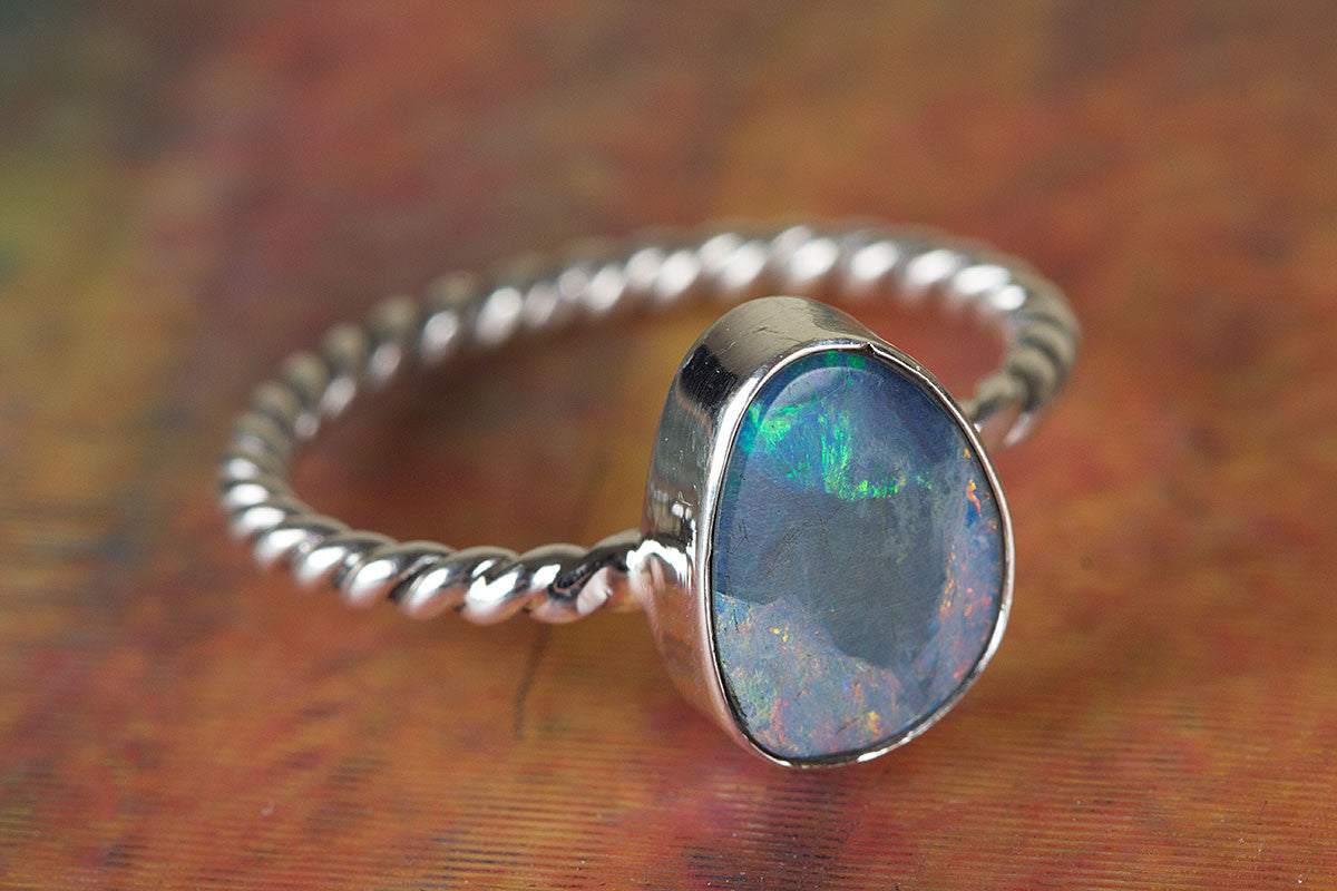Amazing Australian Opal Gemstone 925 Sterling Silver Ring