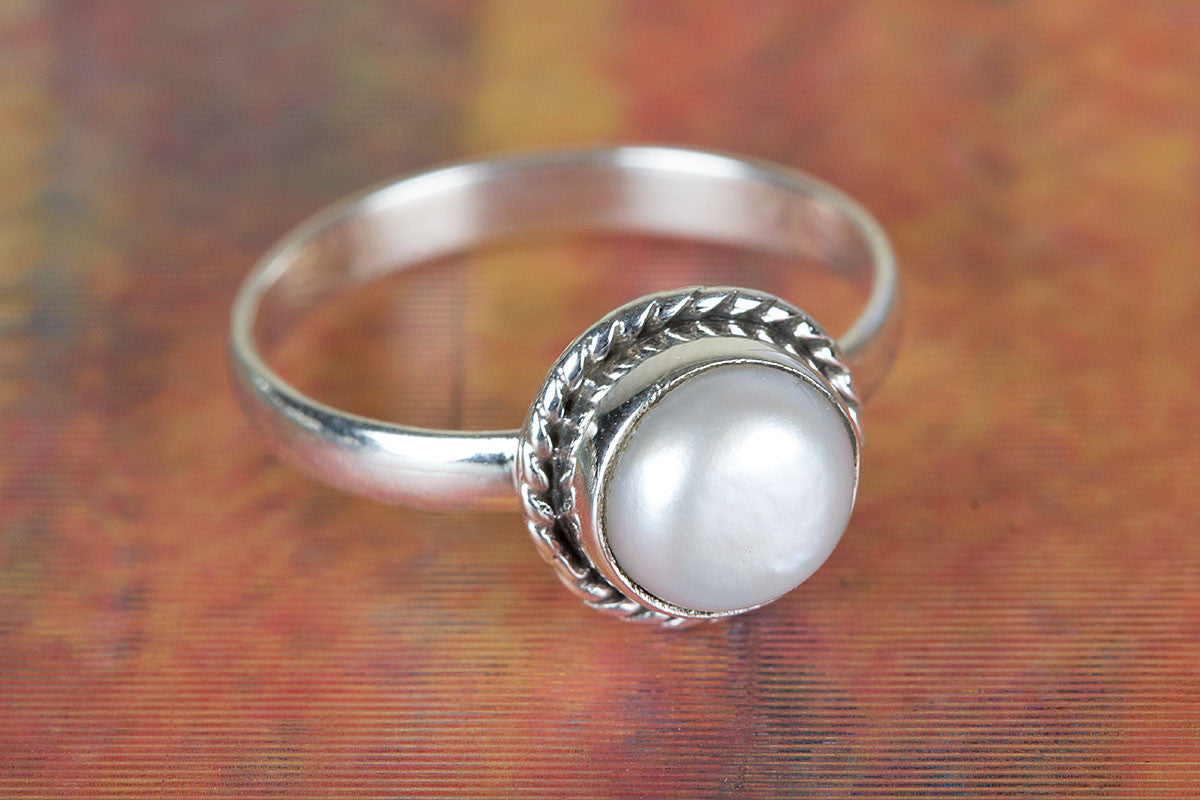 Amazing Pearl Gemstone Pure 92.5 Sterling Silver Ring