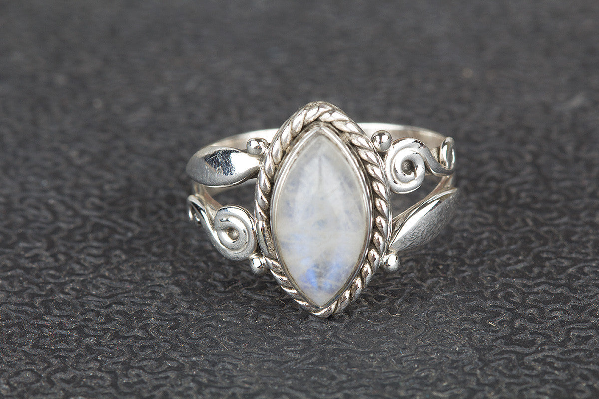 Amazing Rainbow Moonstone Gemstone Handmade 925 Sterling Silver Ring