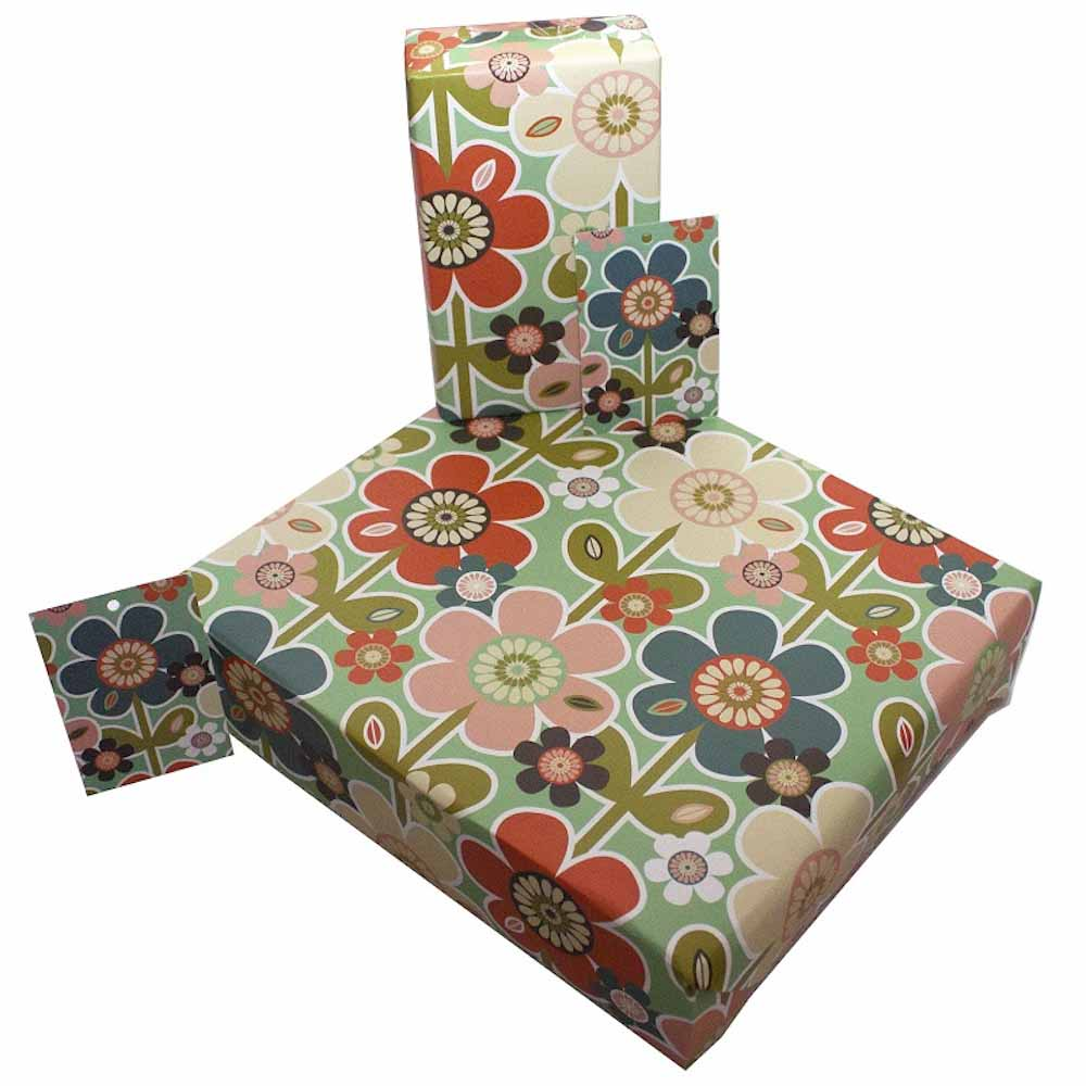 Eco Friendly Recycled Wrapping Paper & Gift Tag - Vintage Retro Daisies Re-wrapped &Keep