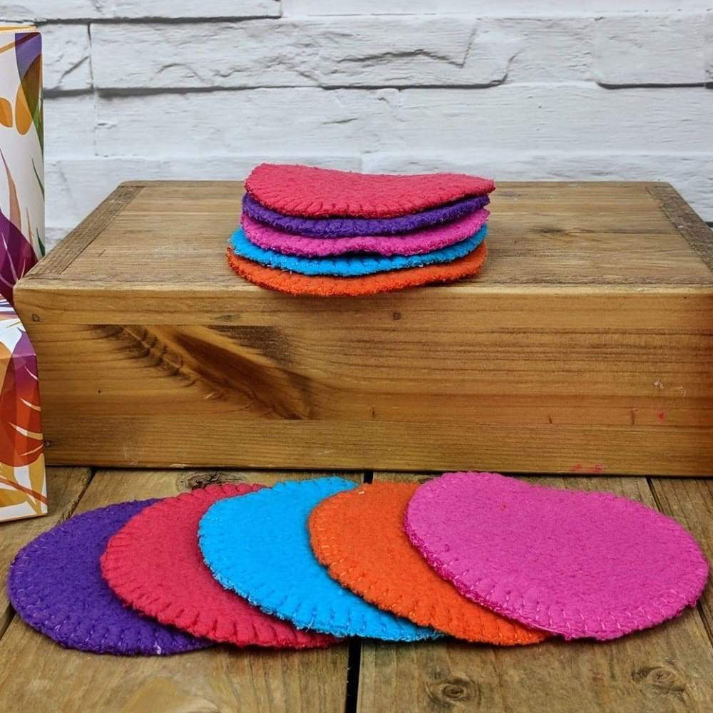 The Stitchery Washable Dual-Sided Bamboo Make-Up Pads - 10 Round Coloured &Keep
