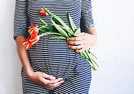 How To Build a Practical & Stylish Maternity Wardrobe