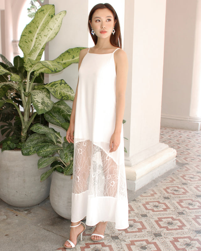 (NEW!) Cleo White Lace Maxi