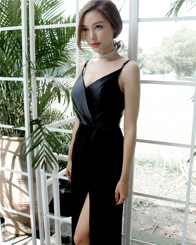 (BACKORDER VII) Gisele Timeless Black Satin Maxi