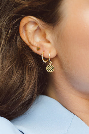 Waves coin earring gold plated