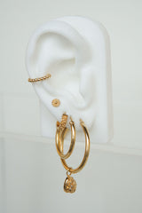 Flower pattern earring gold