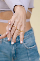 Tiny bar ring gold plated