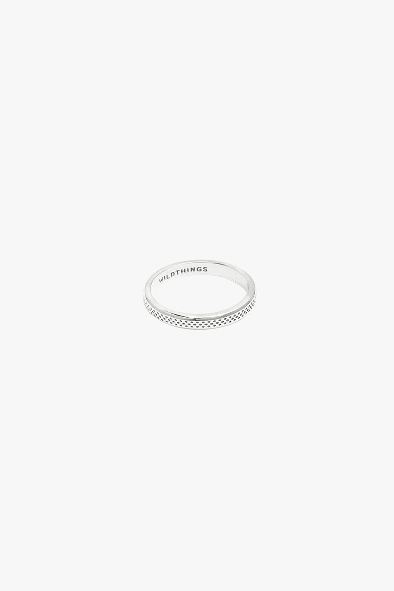 Dotted ring silver