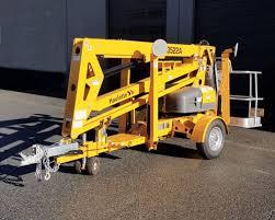 35' TOWABLE MAN LIFT