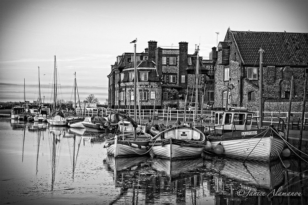 L089614bw Blakeney Harbour