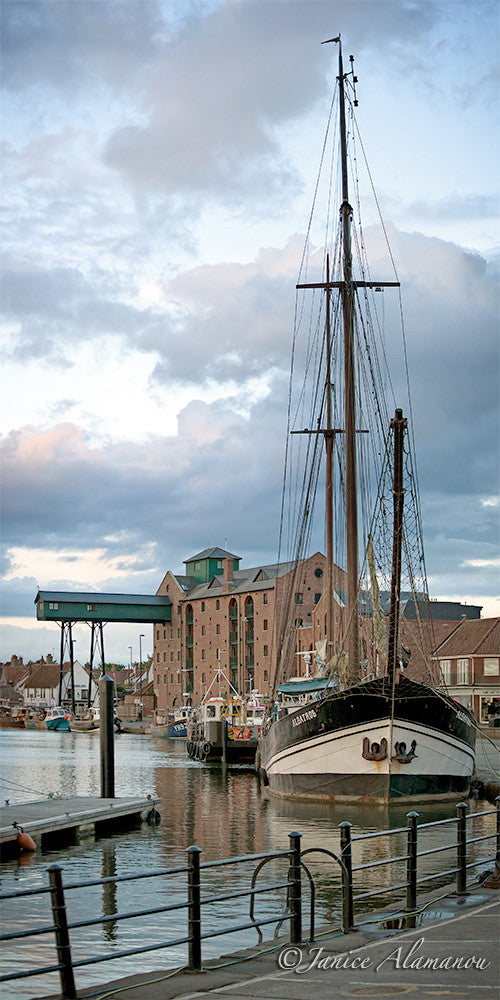 L15815pan Tall Ship at the Quay