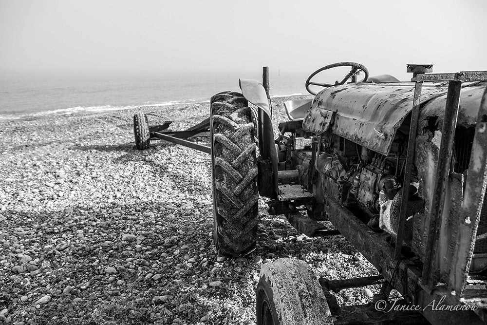 L197813bw Tractor on the Beach