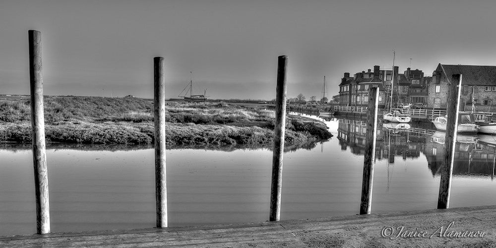 L342614 Blakeney Harbour