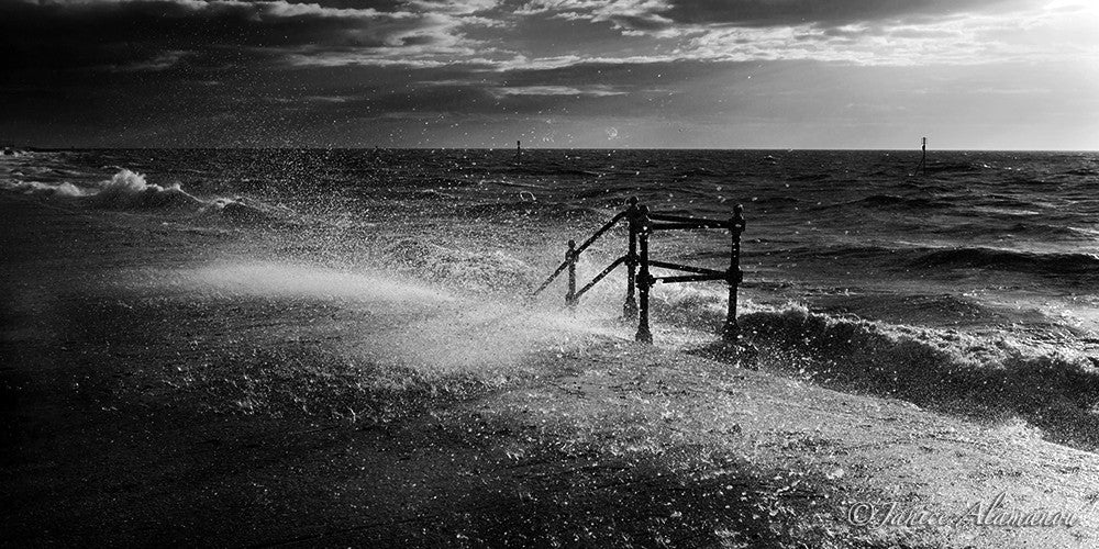 L722112bw Sea Spray