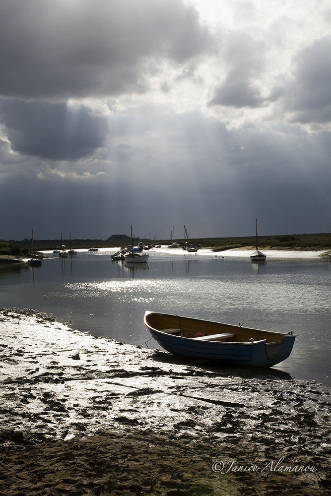 L9228 Sunbeams over the Staithe