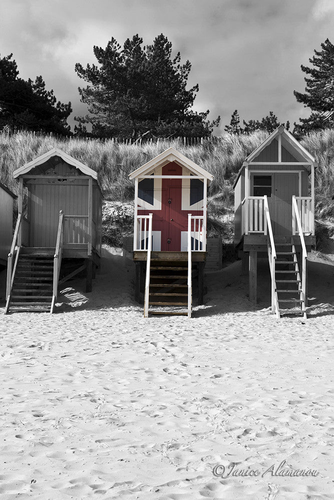 LBc639814 Union Jack Beach Hut