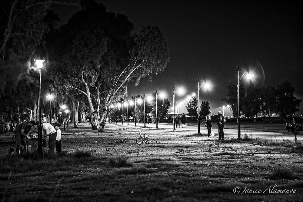 LGR742716bw Night Park