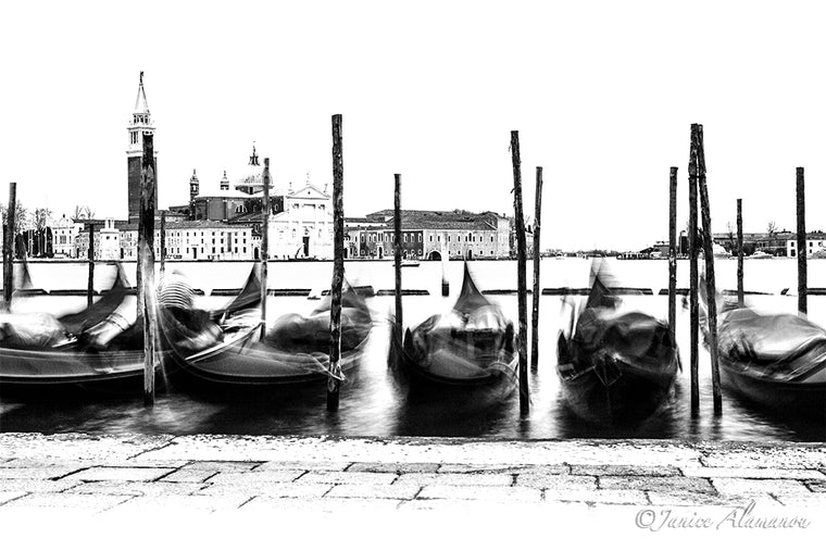 Gondolas - Limited Edition Photograph printed on Fine Art Paper Lit 763715