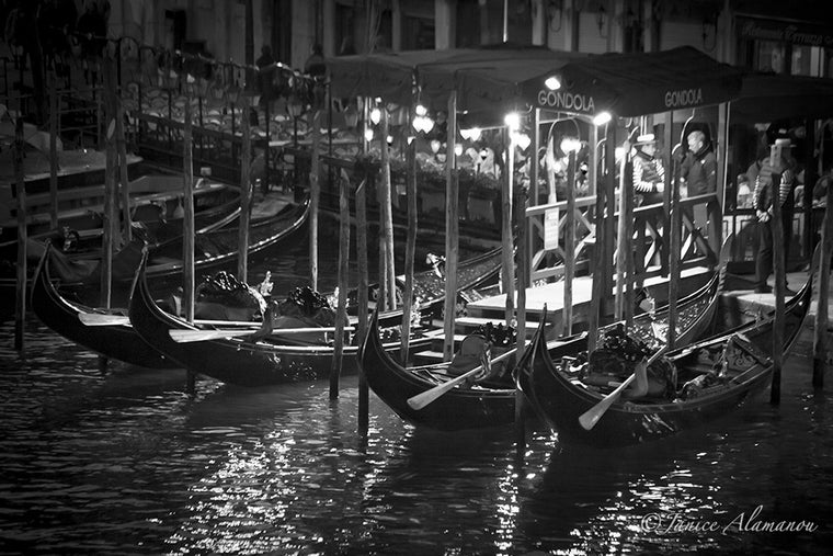 VN773415 Night Gondolas
