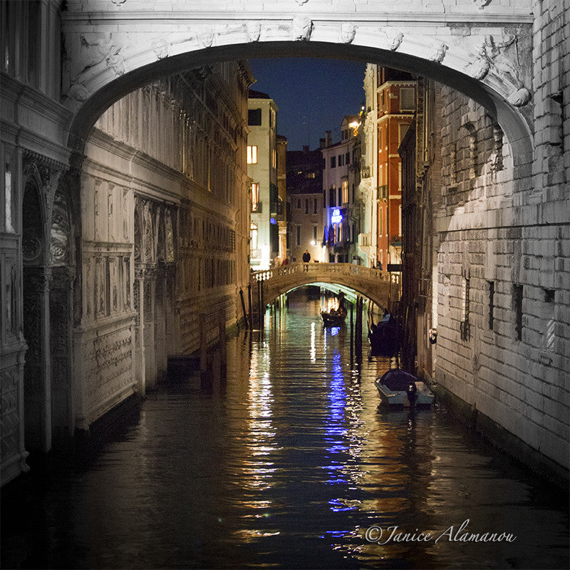 VN775215 Under the Bridge of Sighs