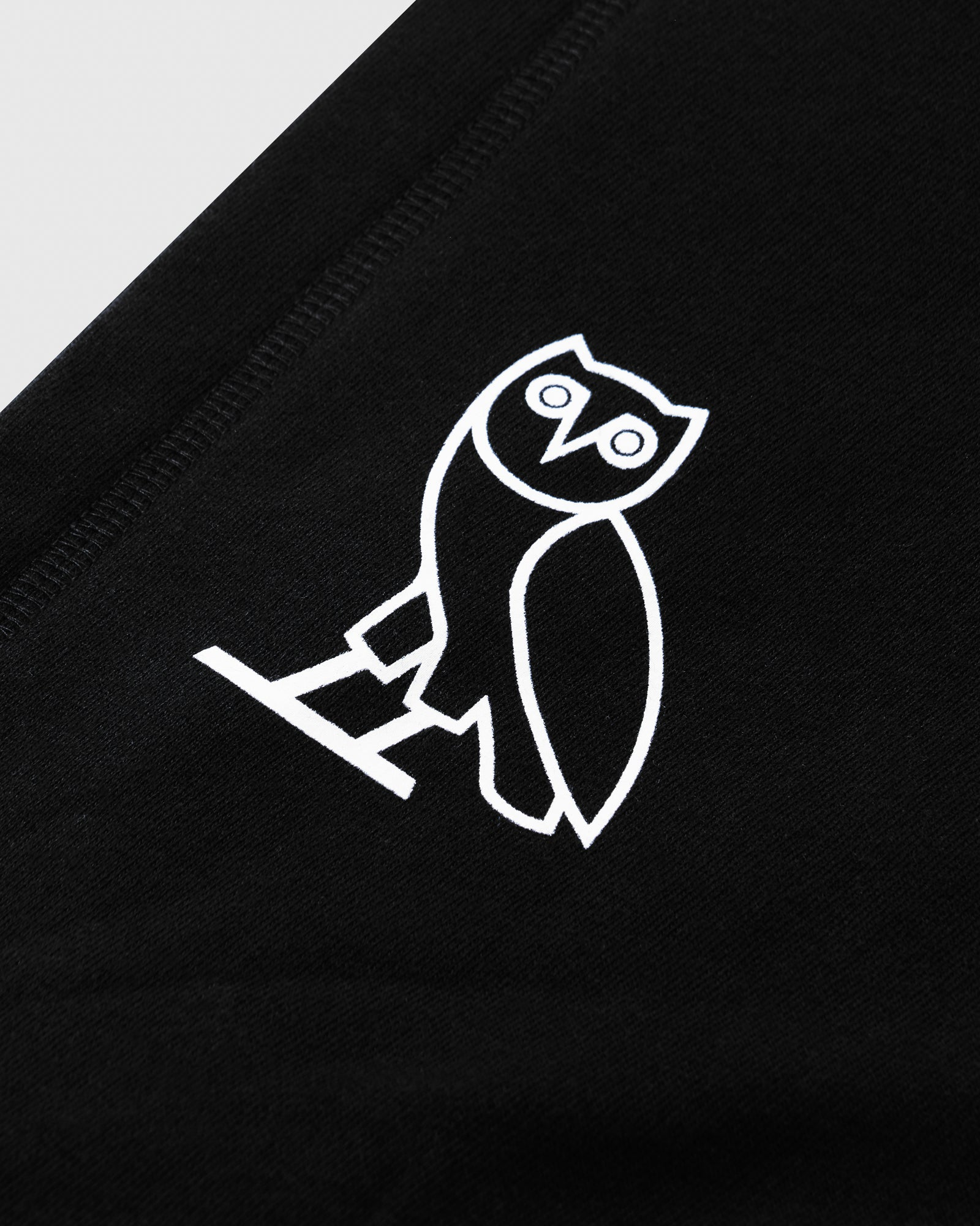 FAMILIA EMBROIDERED POCKET HOODIE - BLACK IMAGE #5