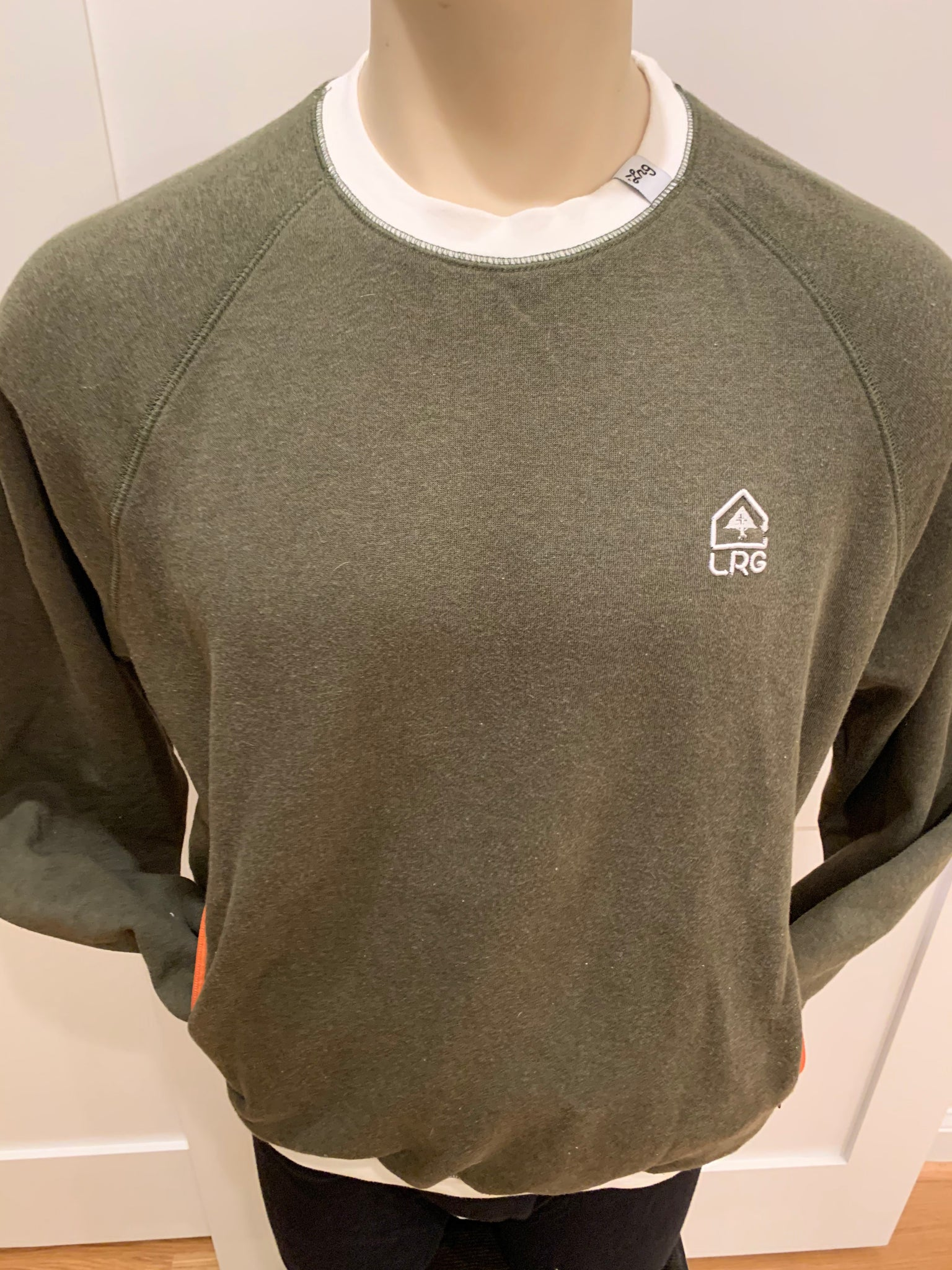 LRG Crew Neck Sweatshirt - Medium