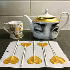 making gold lollipops with tea kettle