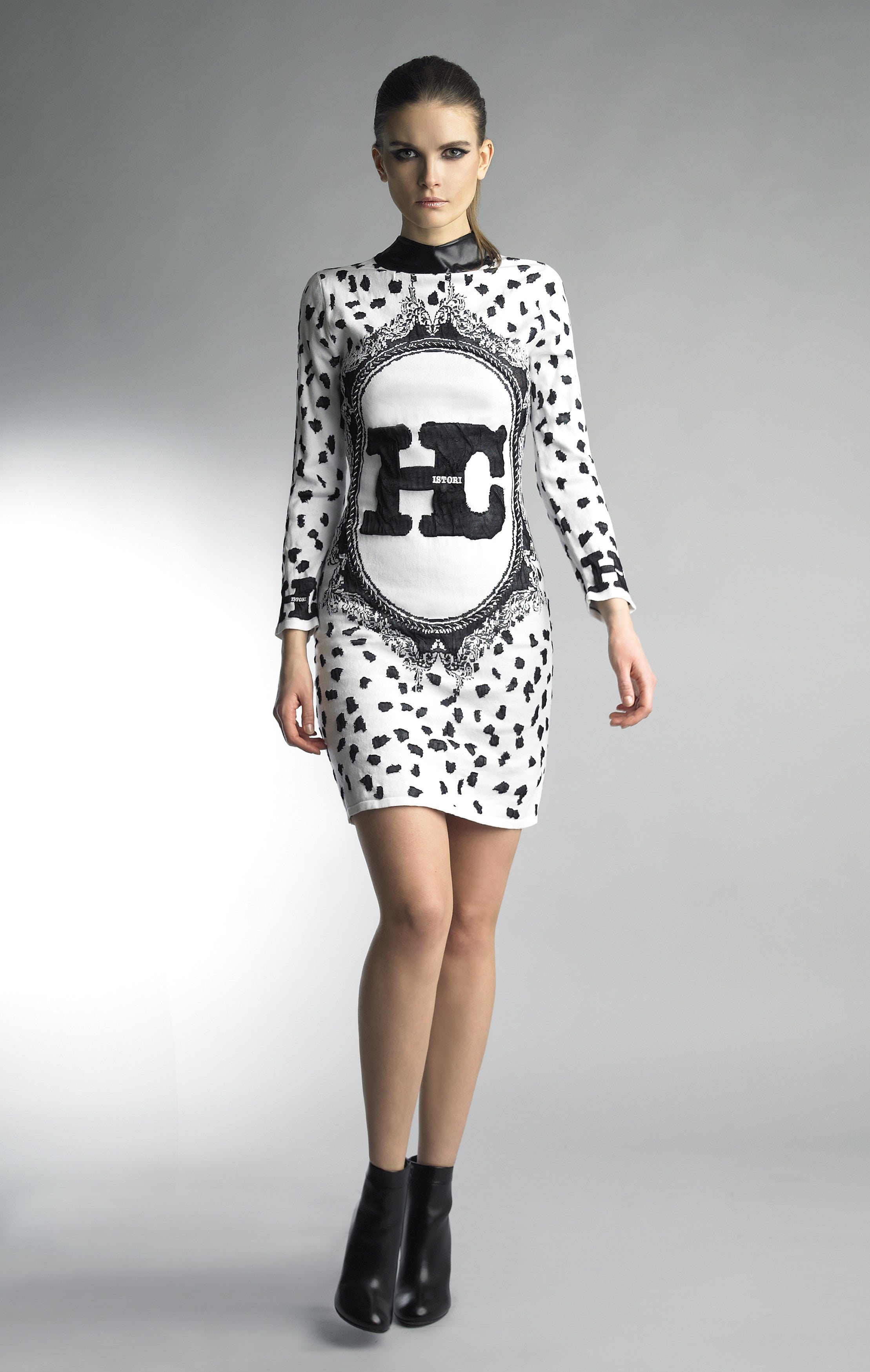 Historic New York Monochrome Collection - Cadre en Burlina Jacquard Dress