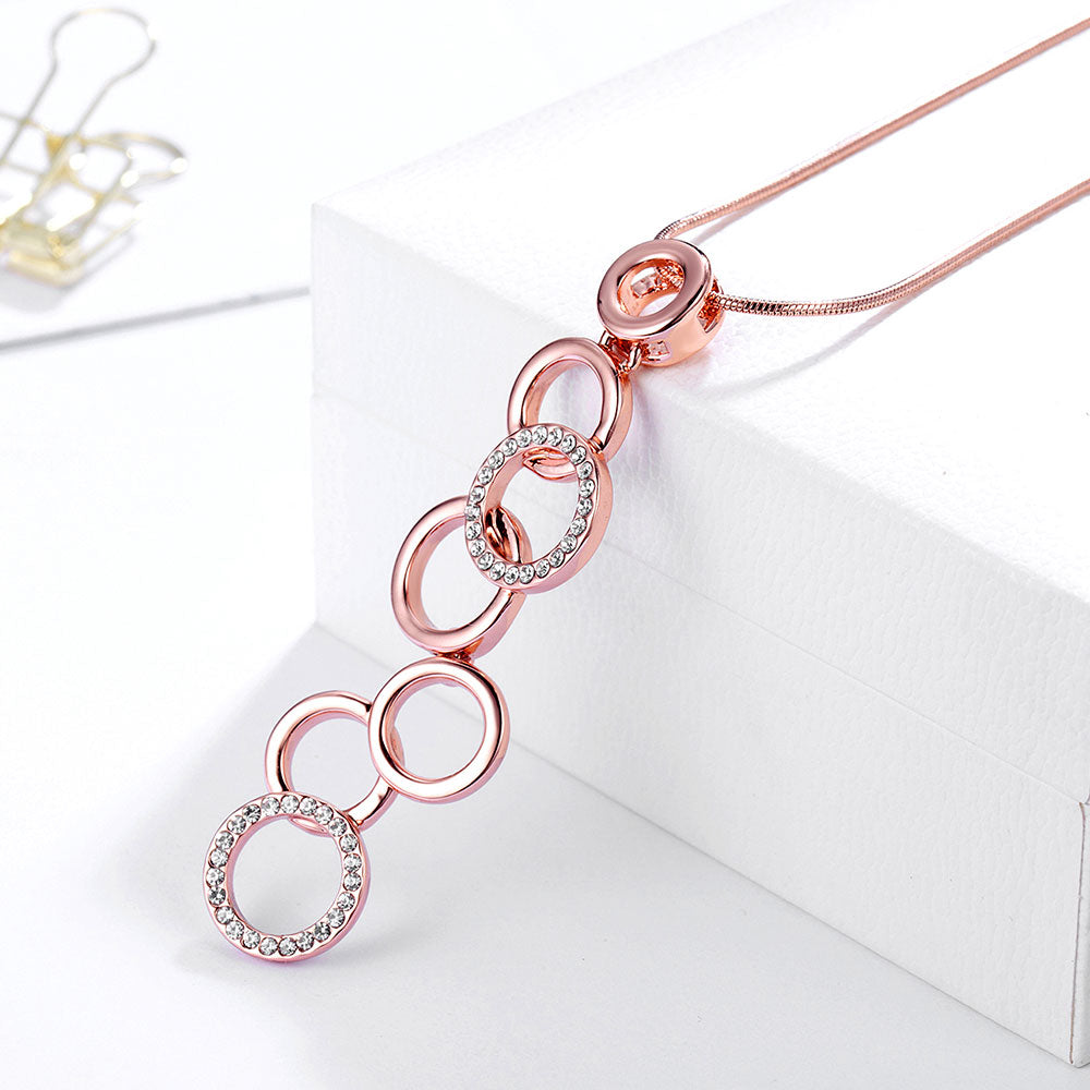 Multiple Circles Pendant Necklace