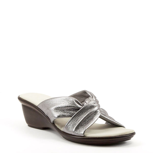 Onex Shoes / Brie Pewter