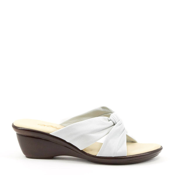 Onex Shoes / Brie White