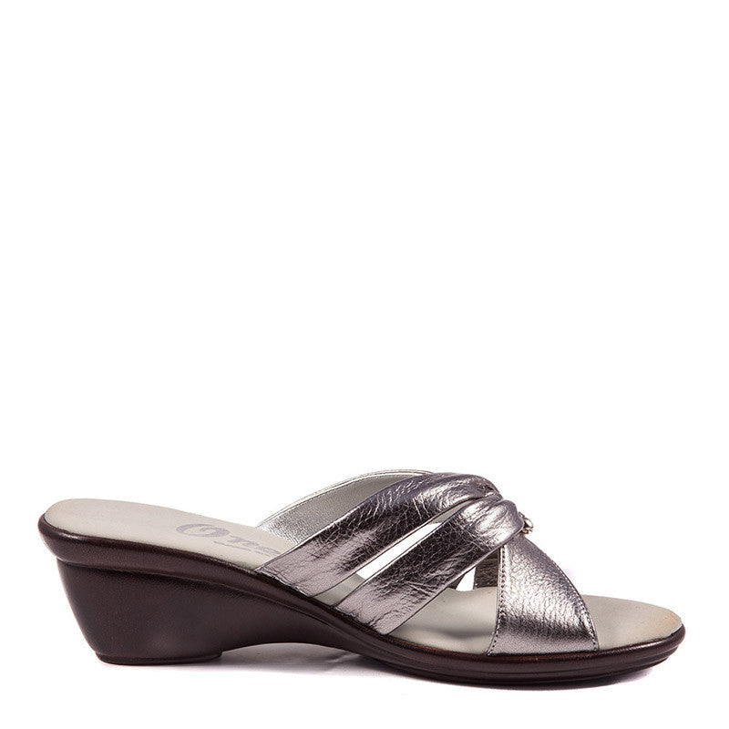 Onex Shoes / Carolyn Pewter