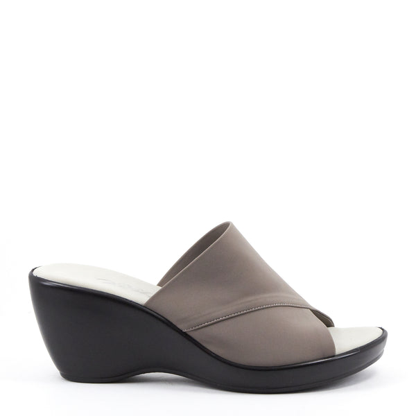 Onex Shoes / Deena Grey