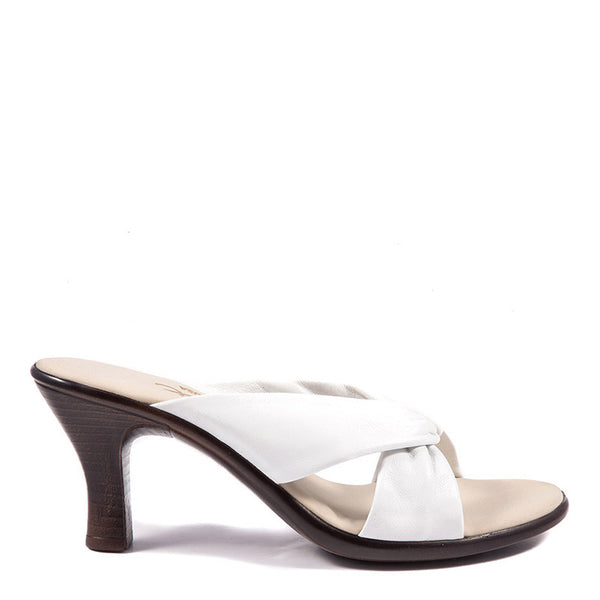 Onex Shoes / Modest White