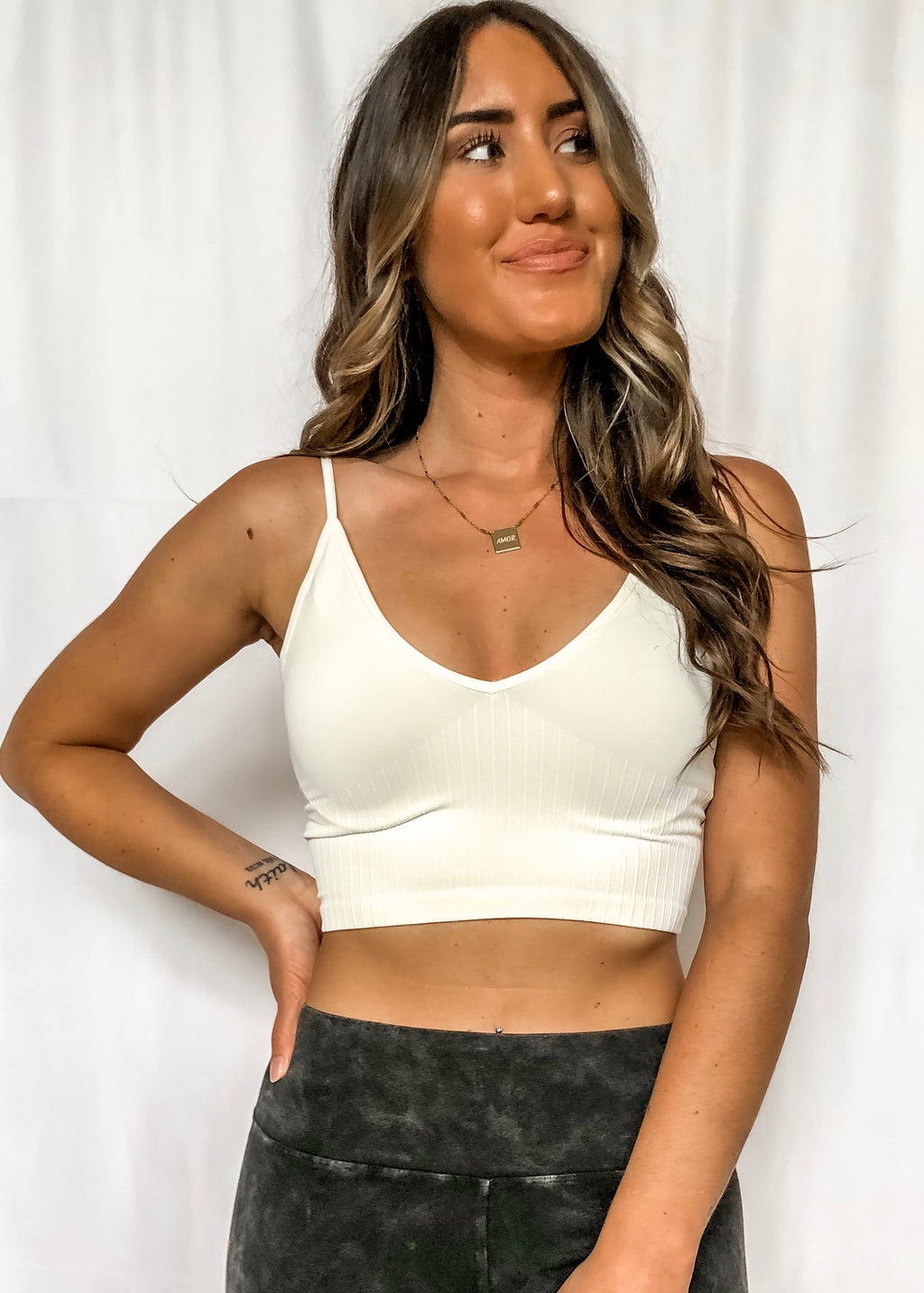 KAYLA V NECK CAMI - CREAM