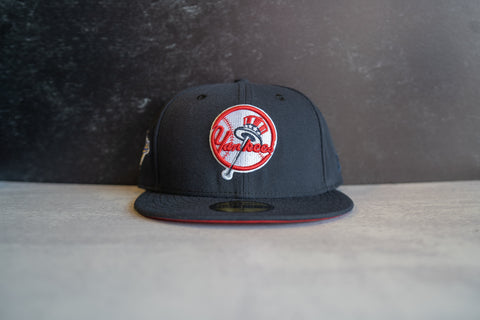 New York Yankees World Series Fitted Cap (Navy/Red)