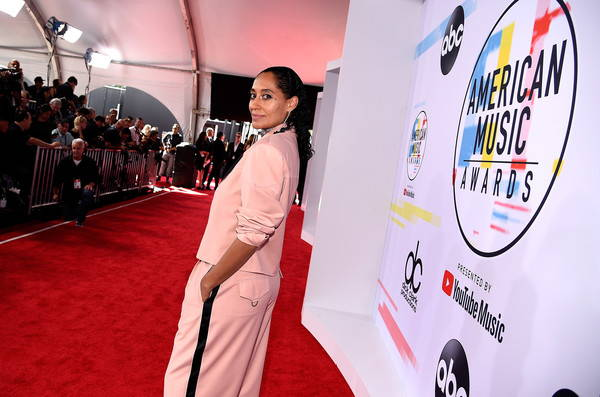 Fashion Friday: American Music Awards