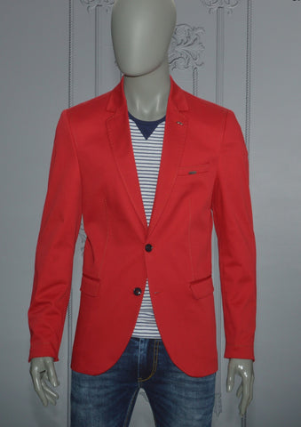 RED LAPEL SLIM FIT BLAZER
